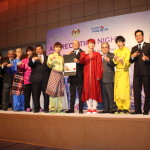 超特急にマレーシア観光文化大臣より感謝状贈呈!
