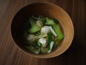 修正 チンゲンサイと鶏団子のスープ