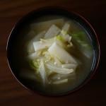 長いもと白菜の味噌汁