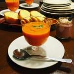 冷たいスープで涼を取る